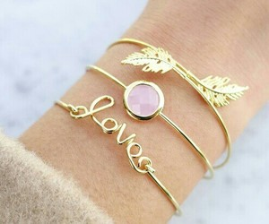 gold, jewerly, and pearl pink image