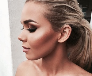 beauty, bronzer, and highlighter image