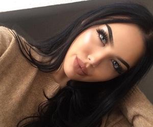 Girl Makeup And Beauty Image
