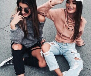 amigas, conjunto, and jean image