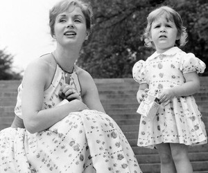 Debbie Reynolds and carrie fisher image