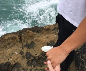 couple and ocean image