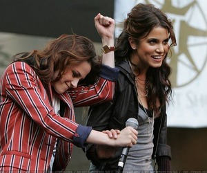 kristen stewart and nikki reed image