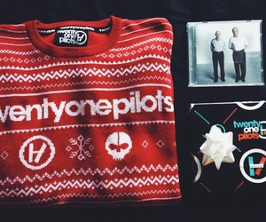 christmas, sweater, and top image