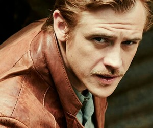boyd holbrook, netflix, and narcos image