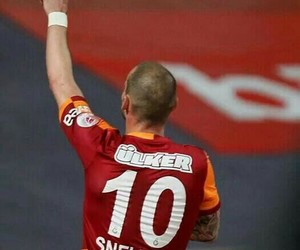 galatasaray and wesley sneijder image