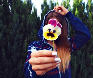 flower, girl, and nails image