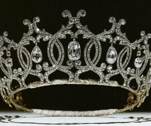 crown, glamour, and jewelry image