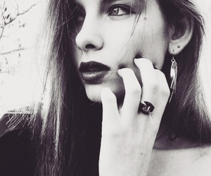 bijoux, black and white, and girl image
