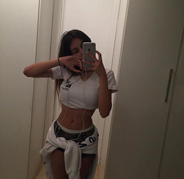 Mirror teen selfies girl The world's