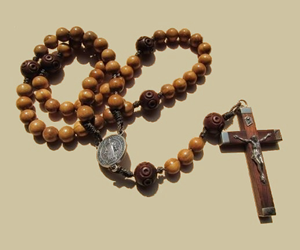 cross, rosary, and jesus crucifixion image
