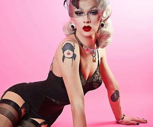 drag queen and violet chachki image
