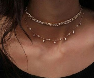 accessories and necklaces image