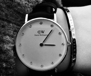 black and white, tumblr, and montre image