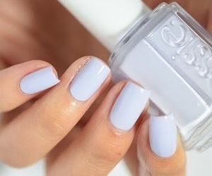 nail polish, periwinkle, and essie image