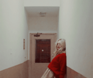 red, vintage, and girl image