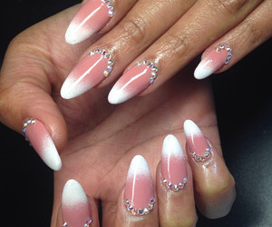 coral, nail art, and ombre image