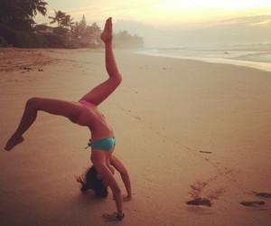 girl, mar, and praia image