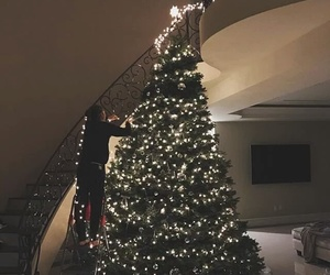 christmas, light, and zendaya image