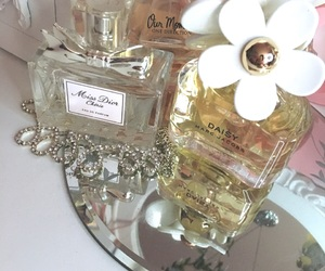daisy, marc jacobs, and miss dior image