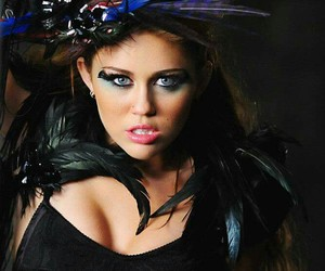 miley cyrus, can't be tamed, and ave cyrus image