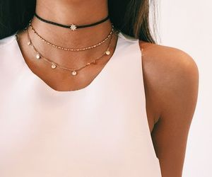 aesthetic, necklace, and pretty image