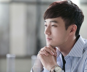 kdrama, so ji sub, and master's sun image