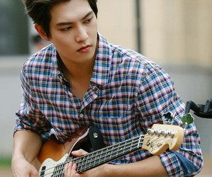 k-pop, cnblue, and lee jonghyun image