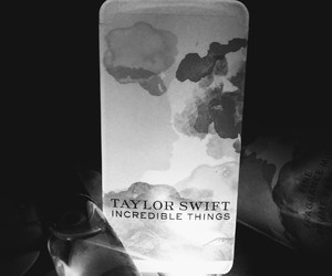 1989, blank space, and fragrance image