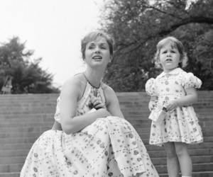 Debbie Reynolds, mother and daughter, and carrie fischer image