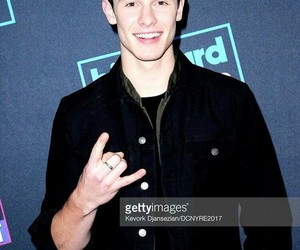 shawn mendes and rockin eve image
