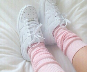 meia, pink, and sneakers image