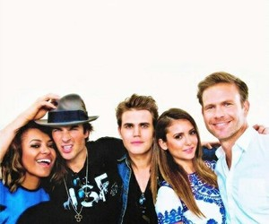 tvd, Nina Dobrev, and ian somerhalder image