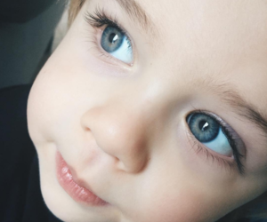 little boy and big blue eyes image