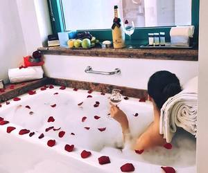 roses and champagne image
