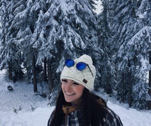 beanie, girl, and Skiing image