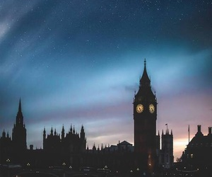 london, city, and sky image