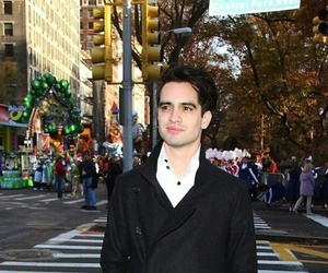 brendon urie, panic at the disco, and city image