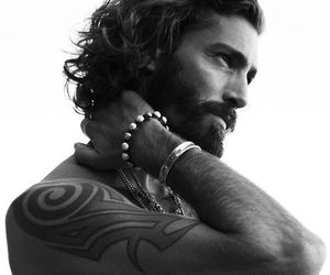 man and tatoo image