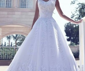 beautiful, bouquet, and dresses image