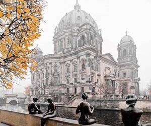 autumn and berlin image