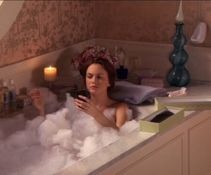 gossip girl, bath, and blair waldorf image