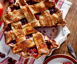 apple, cranberry, and crust image