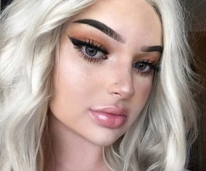 cat eye, gorgeous, and makeup image