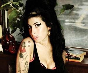 amy, Amy Winehouse, and eyeliner image