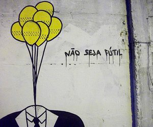 frases, futil, and yellow ballons image