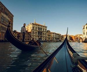 gondola and river image