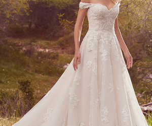 wedding dress and maggie sottero image