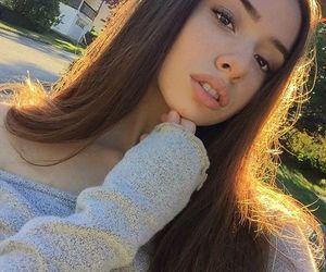 aesthetic, girl, and glow image