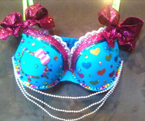 bling, bra, and girly image
